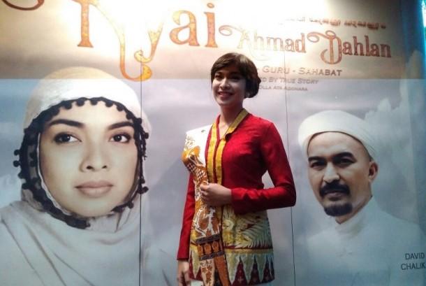 Pemeran Nyai Ahmad Dahlan, Tika Bravani