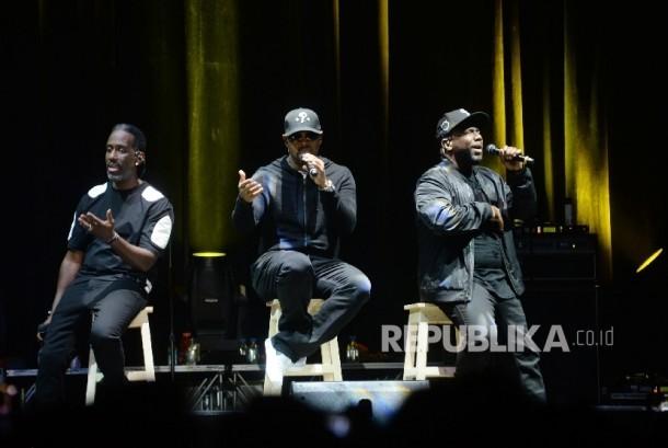 Penampilan grup vokal Boyz II Men dalam konser The 90's Soul Ace di kawasan Kasablanka, Jakarta, Kamis (8/12) malam.