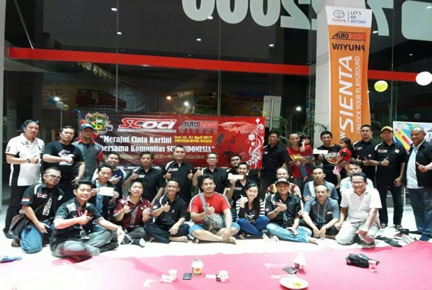 "Penggemar otomotif yang tergabung di SCOCI Chapter Surabaya menggelar kopdar dengan tema ""Merajut Cinta Kartini bersama komunitas SCOCINDONESIA"", Jumat (21/4)."