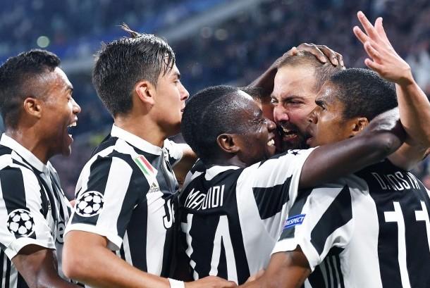 Para pemain Juventus merayakan gol (ilustrasi).