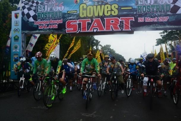 Peringati HUT ke-56 Kostrad,   Divif 2 Kostrad Gelar Fun Bike Bersama Masyarakat