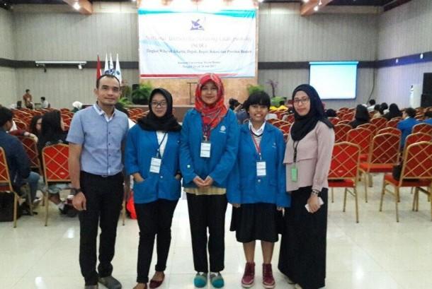Perwakilan ABA BSI Jakarta bersama dosen pembina untuk mengikuti National University Debating Champonship.