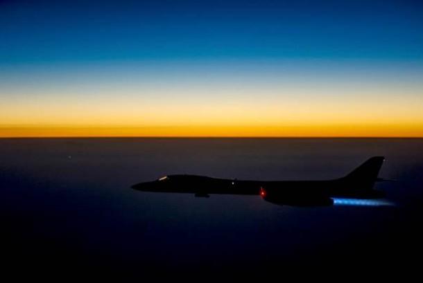 Pesawat pengebom atau bomber AS supersonic B-1B Lancer.