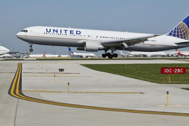 Pesawat United Airlines.