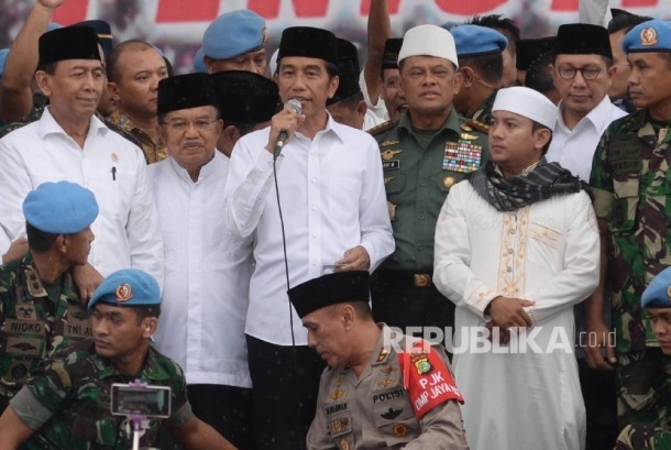 President Joko Widodo gave short statement in the last minutes of 212 rally on Friday (12/2)..