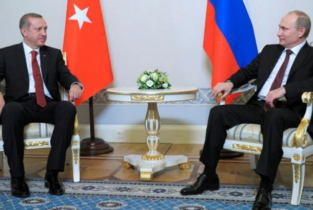 Presiden Rusia Vladimir Putin bersama Presiden Turki Recep Tayyip Erdogan.