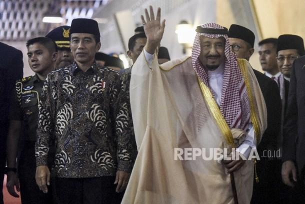 Presideng Joko Widodo (kiri) dan Raja Arab Saudi Salman bin Abdulaziz Al-Saud (kanan)
