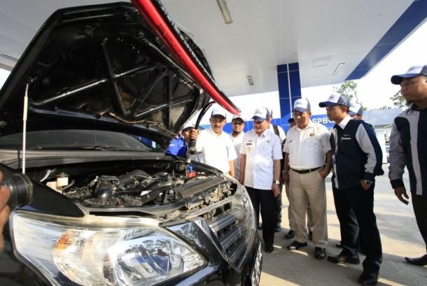 PT PGN melakukan sosialisasi pembagian dan pemasangan konverter kit untuk kendaraan dinas dan angkutan kota (angkot) Pemerintah Provinsi Lampung.