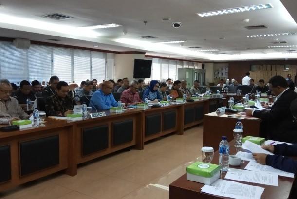 Rapat Kerja Komite I DPD RI dengan KPU dan Bawaslu, Senin (18/9).