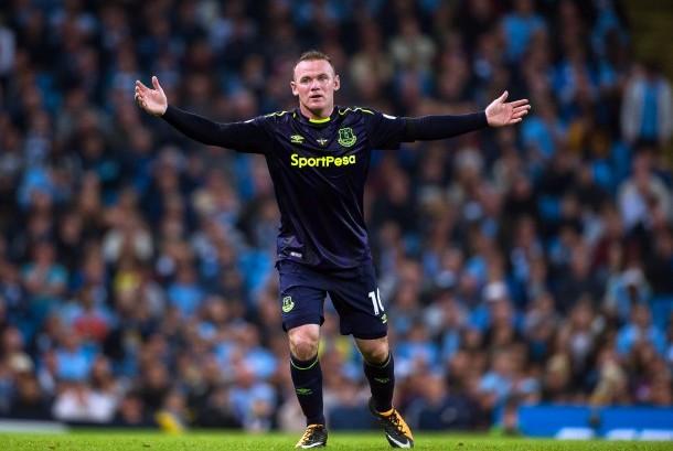 Reaksi striker Everton, Wayne Rooney pada laga Liga Primer lawan Manchester City di Stadion Etihad, Selasa (22/8) dini hari WIB.