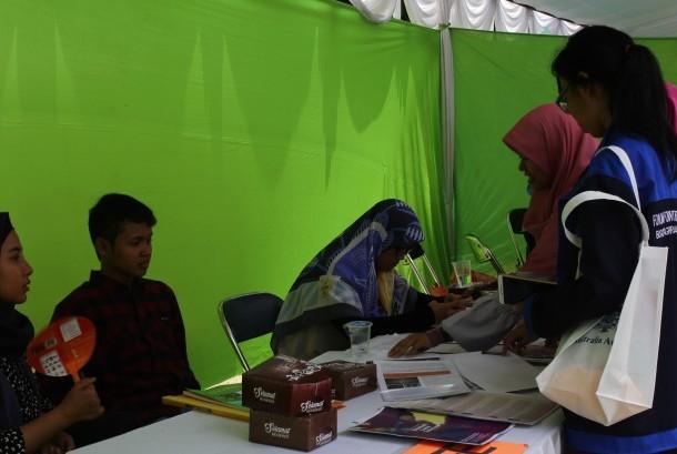 Ribuan mahasiswa mendatangi Education Expo IPB.