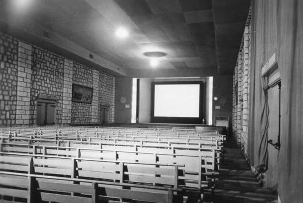 Salah satu bioskop pertama di Arab Saudi, tepatnya di Aramco.
