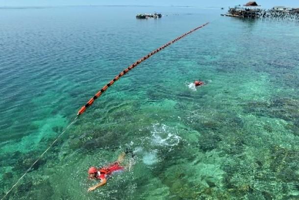 Salah satu keindahan lokasi wisata di Pulau Derawan, Kabupaten Berau.