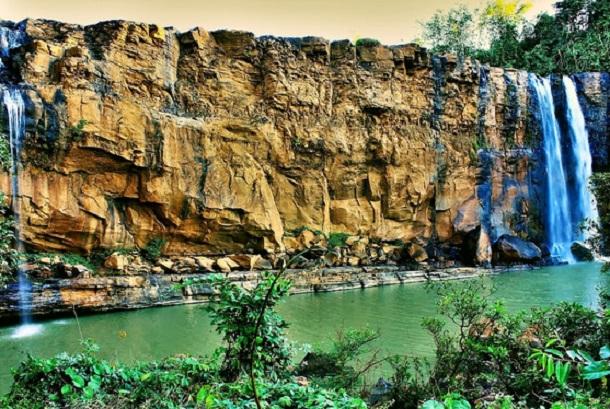 Salah satu pemandangan di Geopark Ciletuh, Sukabumi, Jawa Barat.