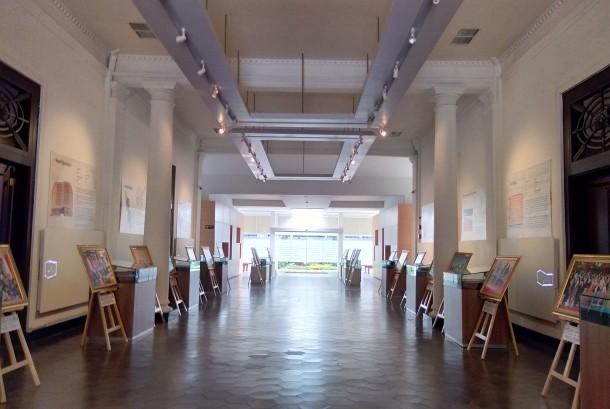 Salah satu ruang di gedung depan Perpusnas yang difungsikan sebagai museum.