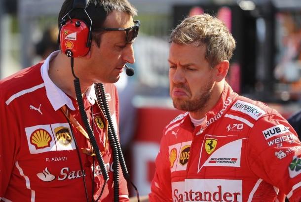 Sebastian Vettel (kanan)