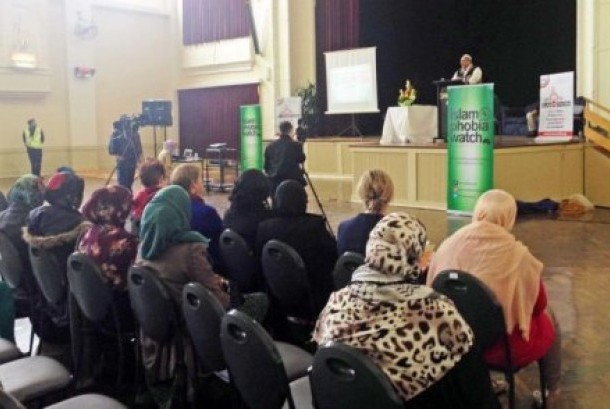 Sebuah forum di Melbourne membahas serangan Islamofobia yang dialami perempuan muslim di Australia.