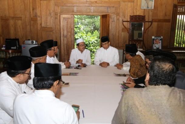 Sejumlah ketua PCNU di Jakarta bersilaturahim ke kediaman cagub Anies Baswedan di Jakarta.