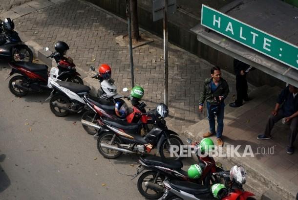 Ojek Pangkalan Semarang Minta Tarif Ojek Online Disamakan