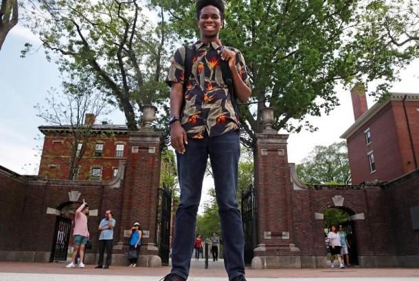 Seorang mahasiswa Universitas Harvard membuat album rap untuk tugas akhir