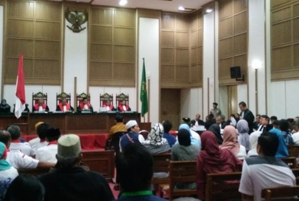 Sidang kasus penodaan agama dengan terdakwa Basuki Tjahaja Purnama atau Ahok, Selasa (25/4), dengan agenda pembacaan pledoi di ruang Auditorium Kementerian Pertanian, Jakarta