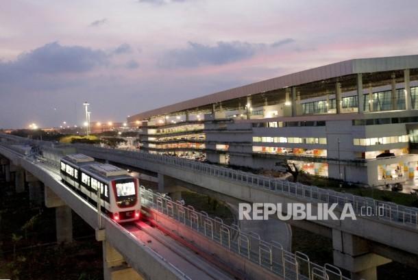 Skytrain has been operational at the Soekarno-Hatta airport.