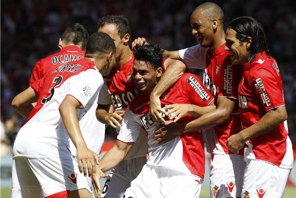 Pemain Monaco melakukan selebrasi usai menjebol gawang lawan. (ilustrasi)