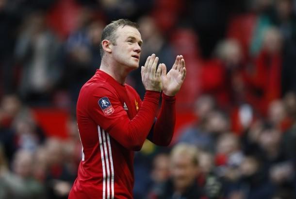 Striker Manchester United, Wayne Rooney menjadi salah satu top skorer sepanjang sejarah klub seusai mencetak gol pada laga Piala FA lawan Reading, Sabtu (7/1).