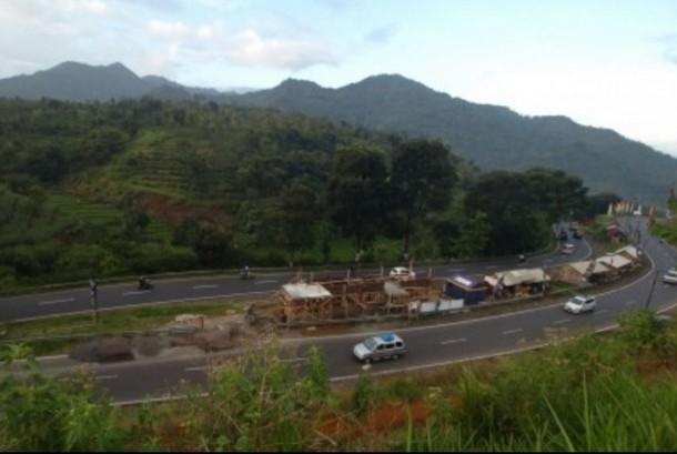 Suasana jalur selatan Lingkar Gentong, Tasikmalaya. (ilustrasi)