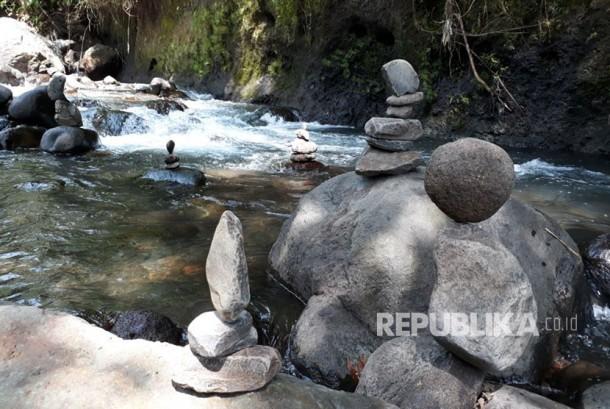 Taman Tao Sangket, Sukasada adalah obyek wisata baru di Kecamatan Sukasada, Kabupaten Buleleng, Bali. Taman Tao menyajikan wisata alam khas tepi sungai yang dialiri Tukad Banyumala.