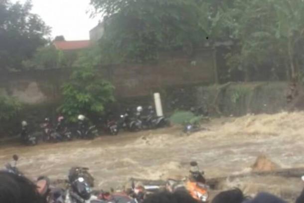 Kontrakan Dekat Tanggul Jebol SMAN 2 Bogor Diungsikan ...