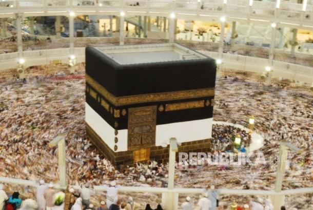 Tawaf ifadah di masjidil Haram Makkah (ilustrasi).