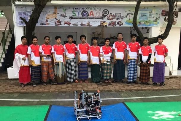 Telkom Indonesia mendukung remaja penggiat robot mengikuti  First Global Challenge Olympic Robot Competition 2017 yang diselenggarakan di Washington DC, Amerika Serikat (AS) pada 14 hingga 18 Juli 2017.