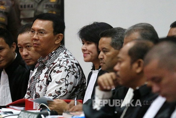 Defendant of religious blasphemy case, Basuki Tjahaja Purnama (Ahok) attended the trial on Auditorium of Ministry of Agriculture.