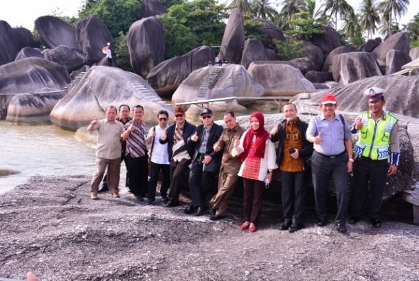 Timwas Pembangunan Perbatasan DPR RI meninjau salah satu destinasi wisata Alif Stone Park.
