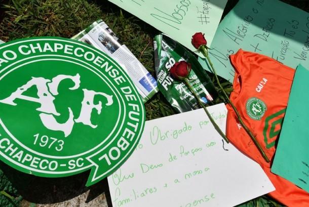 Ucapan duka atas tragedi korban jatuhnya pesawat yang mengangkut tim sepak bola Chapecoense, Brasil di Kolombia