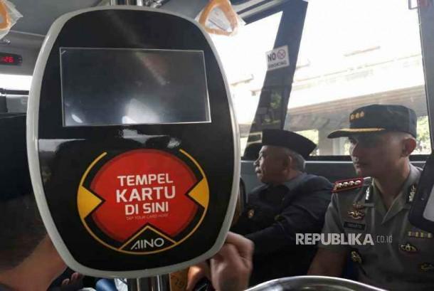 Uji coba bus Transpatriot di Bekasi, Senin (18/12).