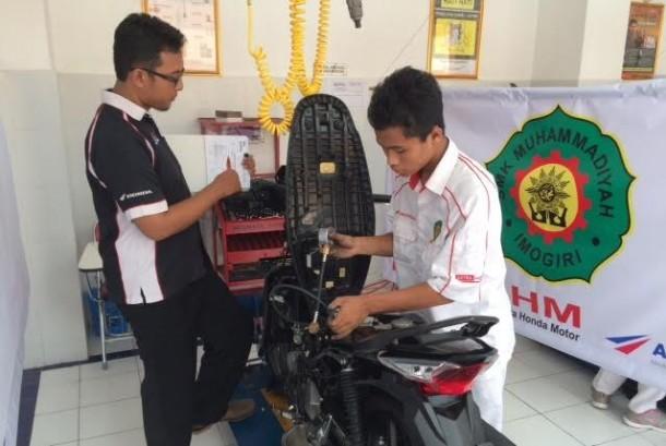 Uji kompetensi siswa SMK Honda.