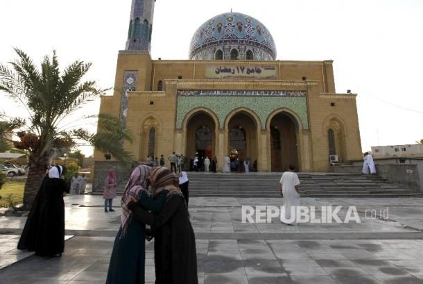 Ukhuwah sesama Muslim (ilustrasi)