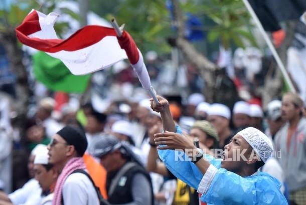Umat muslim mengikuti aksi 212 (ilustrasi)