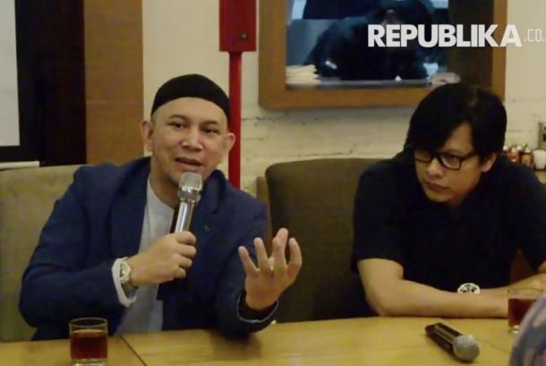 Ustaz Erick Yusuf (kiri) dan Armand Maulana (kiri)