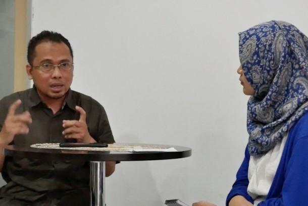 Wakil Pemimpin Redaksi, Nur Hasan Murtiaji (kiri)