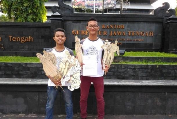 Warrior Semarang bersama wayang fctc sebelum mementaskan wayang fctc warrior