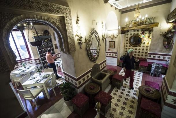 Wisata Halal.  Suasana restoran 'Caravasar de Qurtuba' yang berada di dekat masjid di Cordoba, Spanyol. Restoran ini adalah satu-satunya yang telah mendapatkan sertifikat halal di Spanyol.
