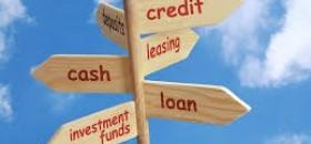 Atur keuangan keluarga dengan memastikan dua rumus, yakni memiliki komposisi tabungan yang dipotong rutin dari gaji dan cicilan utang yang tidak lebih dari 30 persen penghasilan.