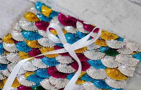 Mozaik menarik dari foil cupcake