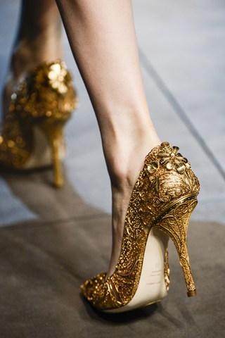 Koleksi Sepatu Unik di Ajang Fashion Dunia  1e64690281