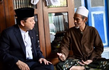 Ketua DPR RI Setya Novanto menghadiri peringatan Hari Santri Nasional di Pondok Pesantren Syekh Abdul Qadir Al Jailani.