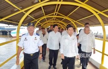 Ketua DPR Setya Novanto melakukan kunjungan kerja dan Safari Ramadhan di Pelabuhan Kargo Pelindo Dumai Provinsi Riau.