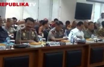 Wakil Kepala Polisi Republik Indonesia (Wakapolri) Budi Gunawan menjelaskan langkah pengamanan pilkada serentak.